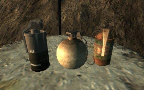 И рейдеры и наемники гранаты есть у